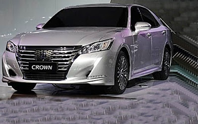 2017 Toyota Crown Redesign