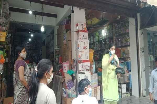 faridabad-dc-warn-shopkeeper-to-follow-mahamari-alert-rules