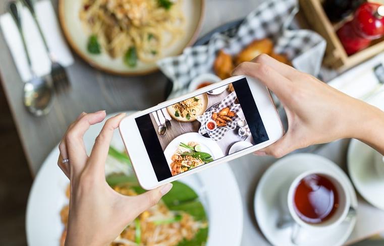 Mau Jadi Food Blogger Terkenal? Ini 7 Tipsnya!
