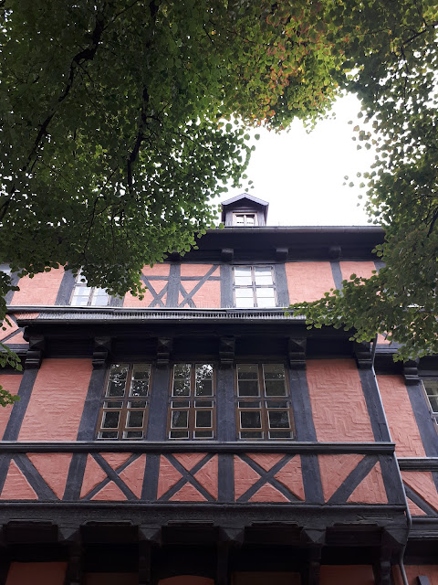 This is the style of houses you find in Quedlinburg: Fachwerkhaus