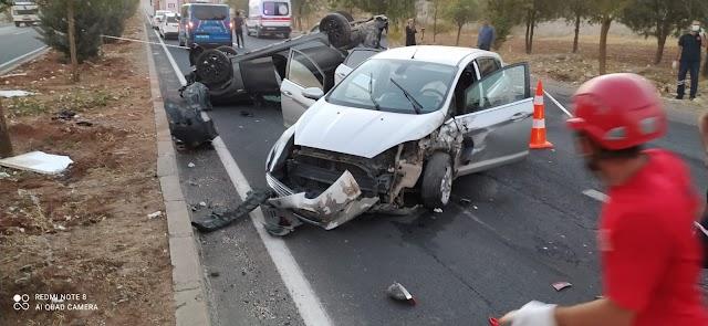 Urfa'da iki araç kafa kafaya çarpıştı! 4 yaralı