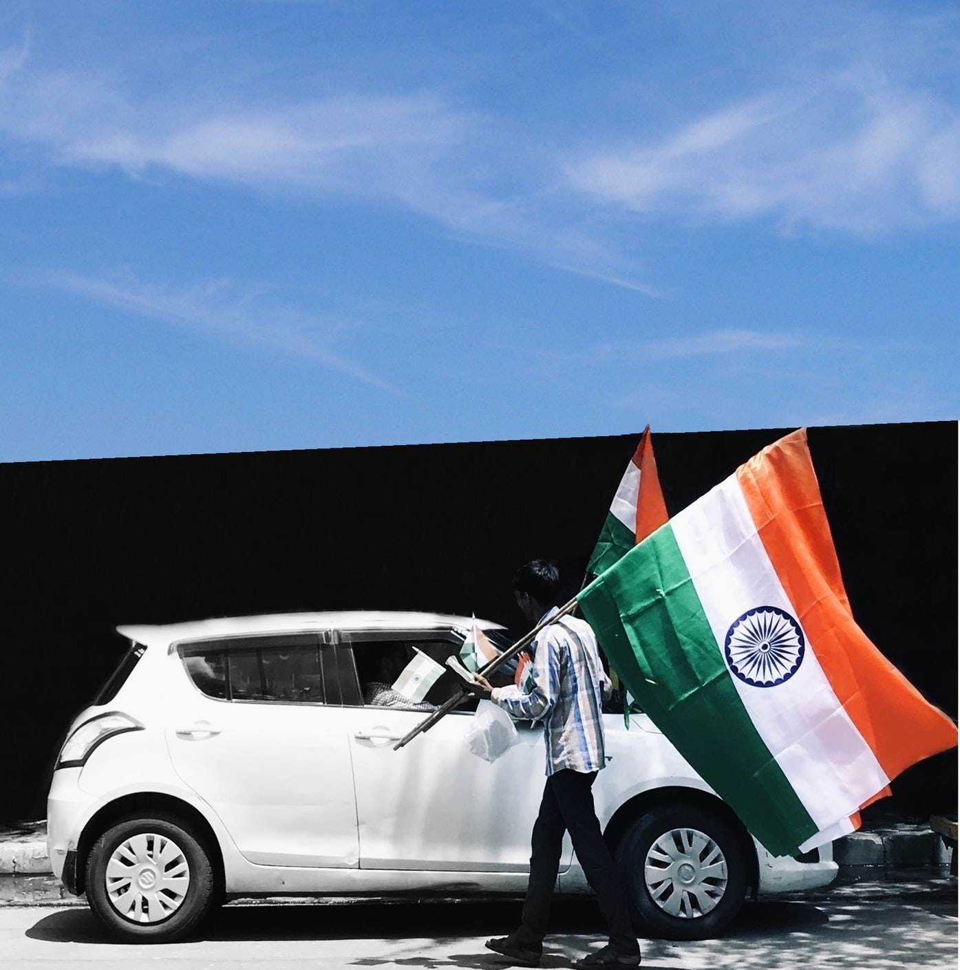 indian-flag-car