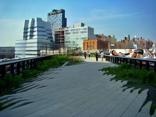 life around us the highline park of new york. Black Bedroom Furniture Sets. Home Design Ideas
