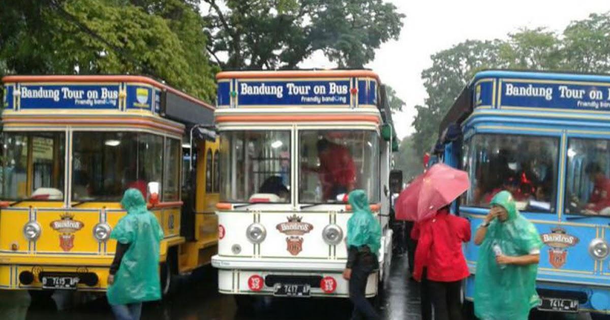 Hasil gambar untuk 12 bus bandros diresmikan di balai kota bandung