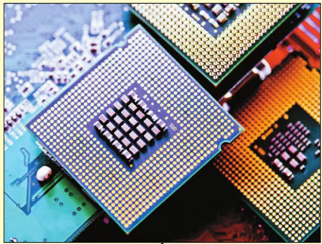 FIGURE 4 Fourth generation computers use microprocessors.
