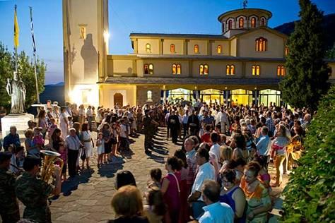 Γιάννενα: Λιτανεία Του Αγ. Κοσμά Στην Πλατεία Κονίτσης :Προσοχή Και Στη Β.Ήπειρο Ζήτησε Ο Μητροπολίτης Από Την Κυβέρνηση