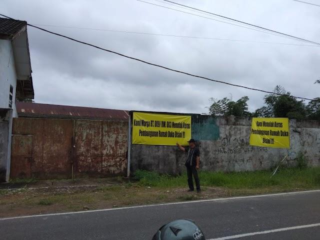 Warga Kelurahan Semabung Baru,Tolak Pembangunan Rumah Duka