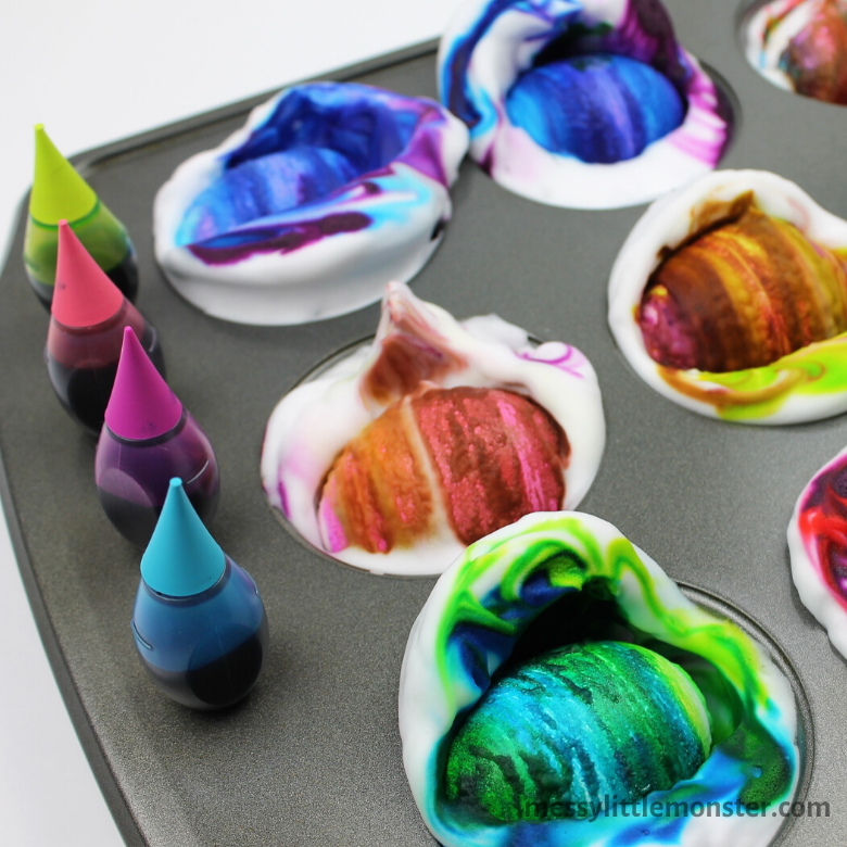 Dying eggs with shaving cream