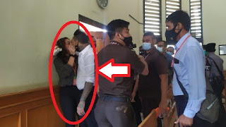 JerinX dan Nora Ciuman Bibir di pengadilan