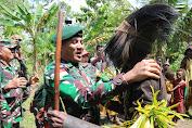 Kado HUT Kostrad ke-59, TNI dan Warga Papua Bersatu Jaga NKRI
