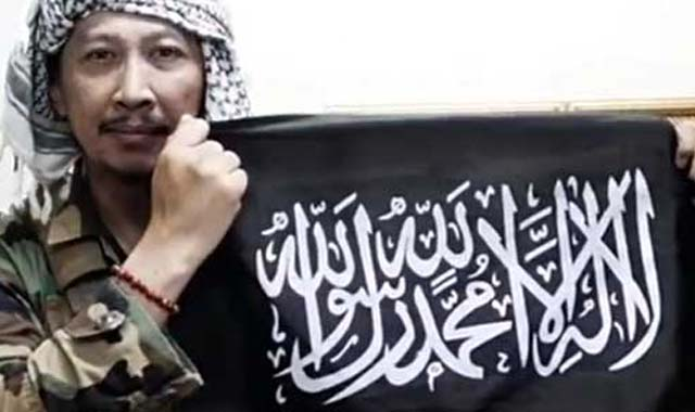 Abu Janda: Hanya Pendukung Teroris yang Mengutuk Macron