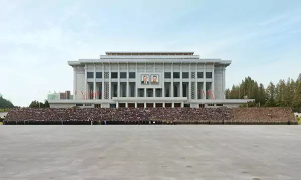 Kim Jong Un with military paraders