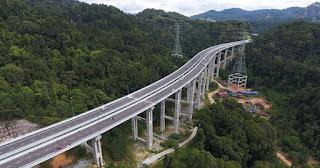 Rawang bypass Road: Tinggi sungguh jalan ni