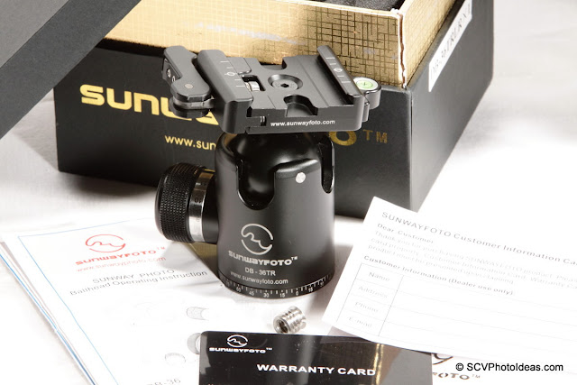 Sunwayfoto DB-36TRLR Traveler Ball Head unpacked closeup