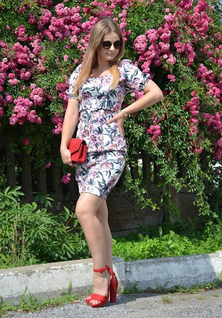 Sukienka w kwiaty #bonprix ♥