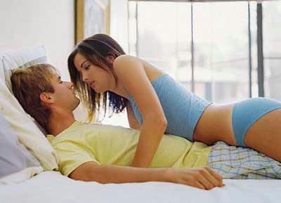 Vì sao phụ nữ thường đau khi quan hệ tình dục