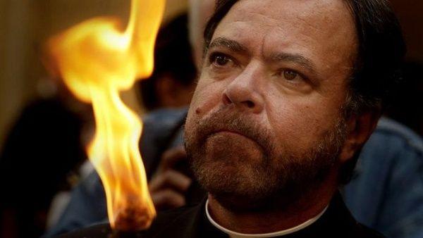 """Renuncia obispo de EE.UU. por """"conducta indebida con un menor"""""""