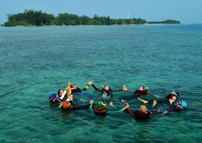 wisata bahari, wisata pulau tidung, bahari pulau tidung, keindahan laut pulau tidung, foto drone pulau tidung