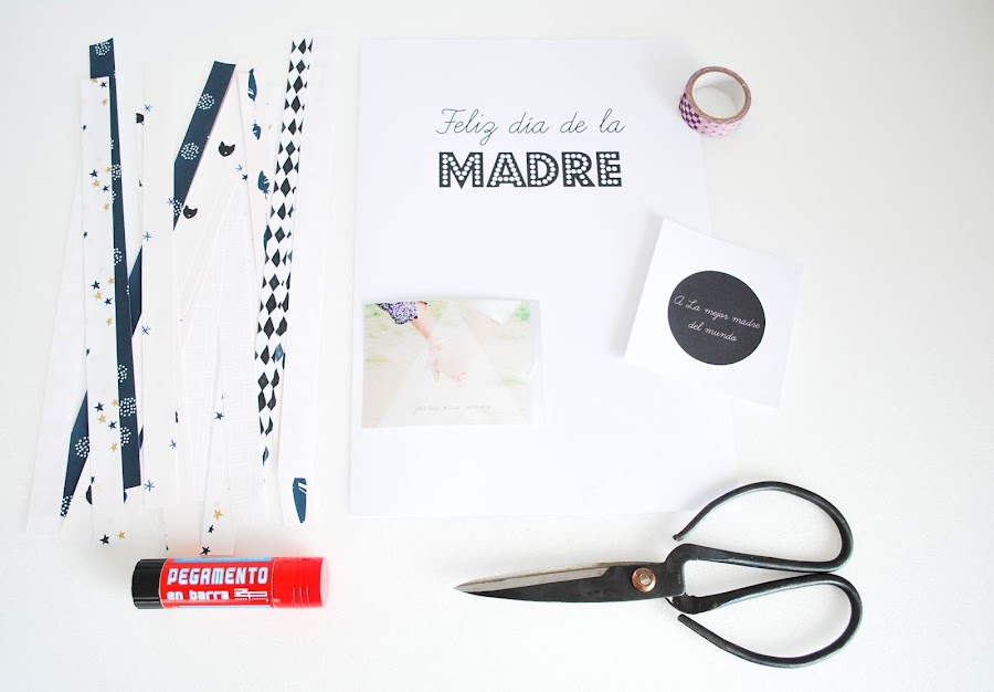 http://www.mylittlebrunch.com/2014/05/diy-mi-regalo-para-el-dia-de-la-madre-ideas-scrap-descargables.html