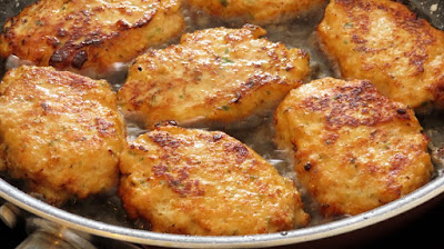 Kako spremiti uštipke od pilećih prsa i povrća / How to make chicken fritters with vegetables