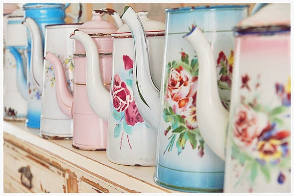 vintage enamel coffee pot collection from Vipderoos
