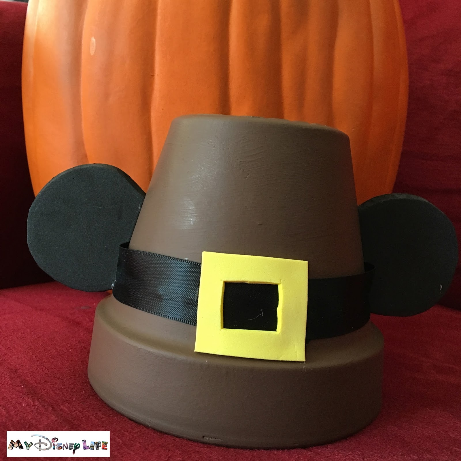 as im sure you know its really hard to find disney thanksgiving items so i decided that id make a few of my own ive been trying to find something to