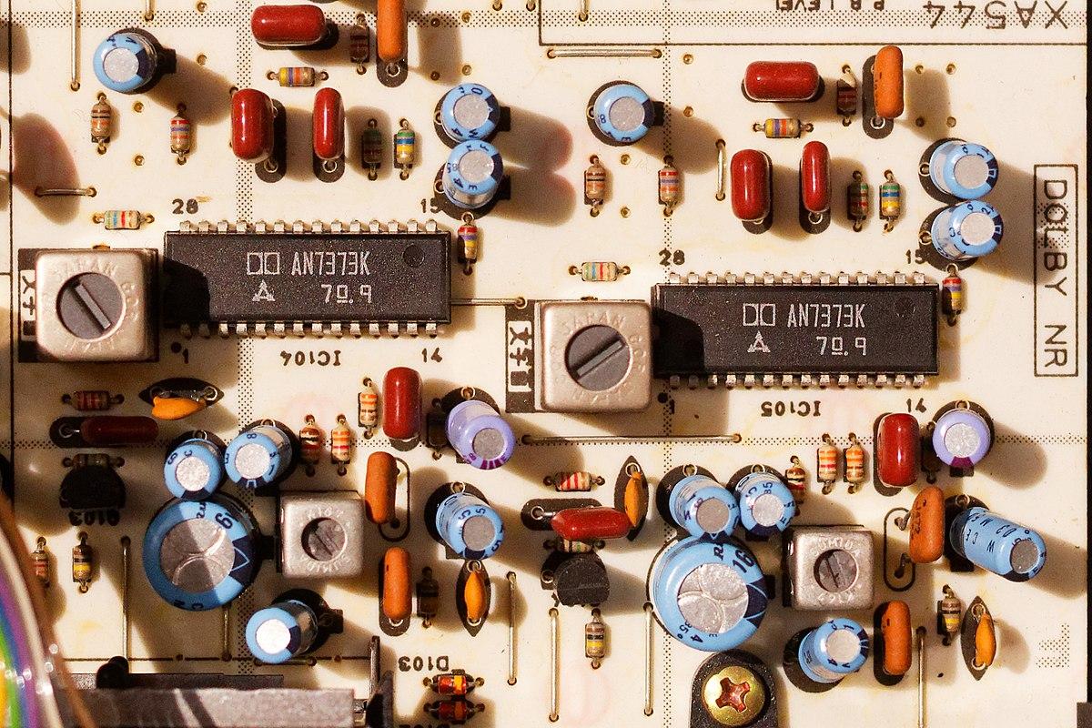 aplikasi multiplexer dalam rangkaian elektronik