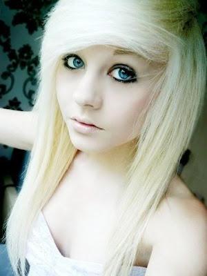 Pretty Emo Blonde 107