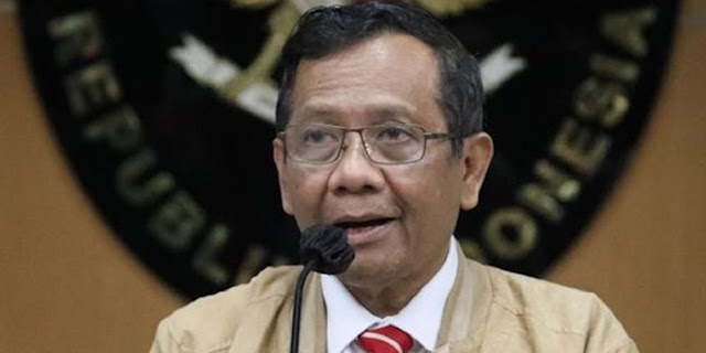 Bom Makassar Terjadi Setelah Mahfud Bicara Terorisme, Pigai: Kenapa Tidak Diantisipasi?