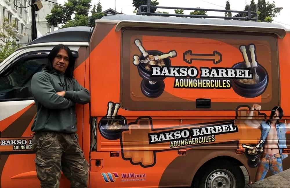 Kuliner Unik Bakso Barbel Agung Hercules (instagram.com)