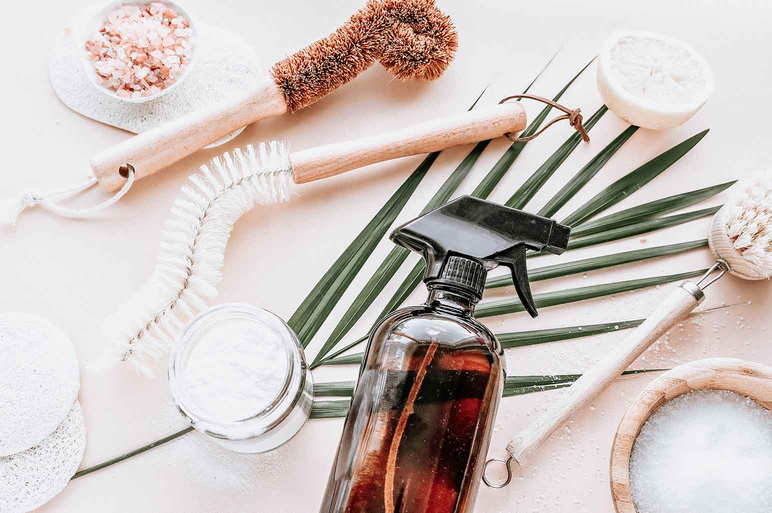 Green Cleaning: 8 Major Reasons to Use Eco-Friendly Products