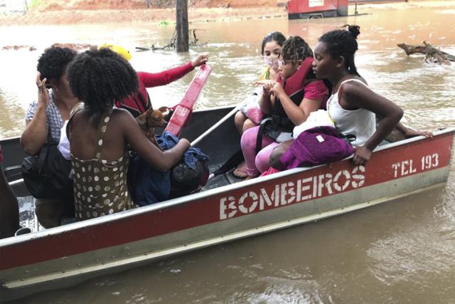 Recém-nascido e mais 19 pessoas são resgatadas pelo GBM em Salvador