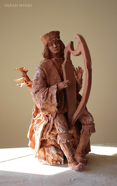 David, king, harp, music, sculpture, escultura, skulptur, scultura, art, arte, kunst, terracotta, clay, red, earthenware, medieval, sixteenth, century, details, Sarah Myers, kunstwerk, sgraffito, biblical, renaissance, classic, figurative, contemporary, ceramic, pensive, boots, tree, jesse, figure, ceramic, ceramica