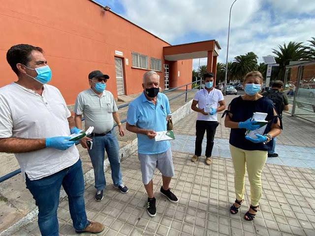 entrega de mascarillas gratis como acto simbólico, Las Palmas de Gran Canaria