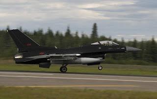Pesawat F-16C Aggressor AU AS Gunakan Skema Baru Warna Hitam