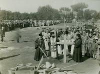 Punerea temeliei catedralei de către episcopul Visarion Puiu al Hotinului. 28 septembrie 1924