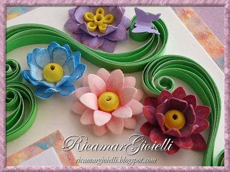 Biglietto di Buon Compleanno realizzato con fiori 3D e tecnica quilling