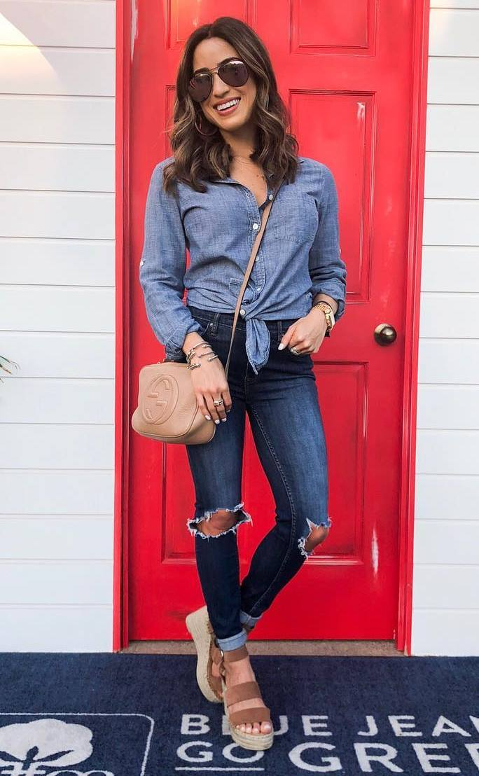 cool outfit idea / blue shirt + ripped jeans + sandals + beige crossbody bag