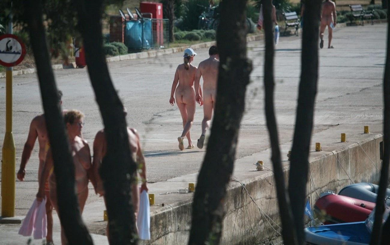 Фото нудистов сочи, Нудистские пляжи Сочи: секретные места, о которых не 21 фотография