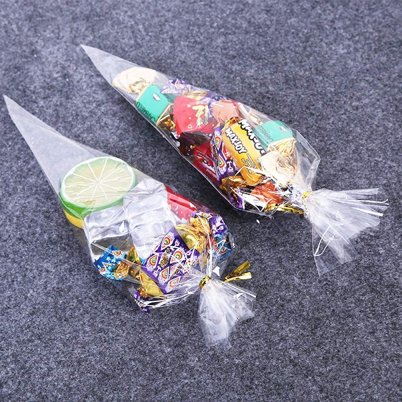 Amazon - 200pcs Cellophane Triangle Shaped Treat Bags with Gold Twist Ties