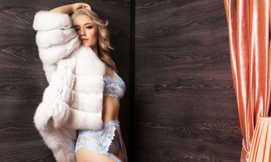 SelahSilk Model GlamourCams