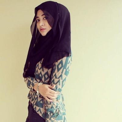 Video Tutorial Hijab Ala Natasha Farani Bagian 2