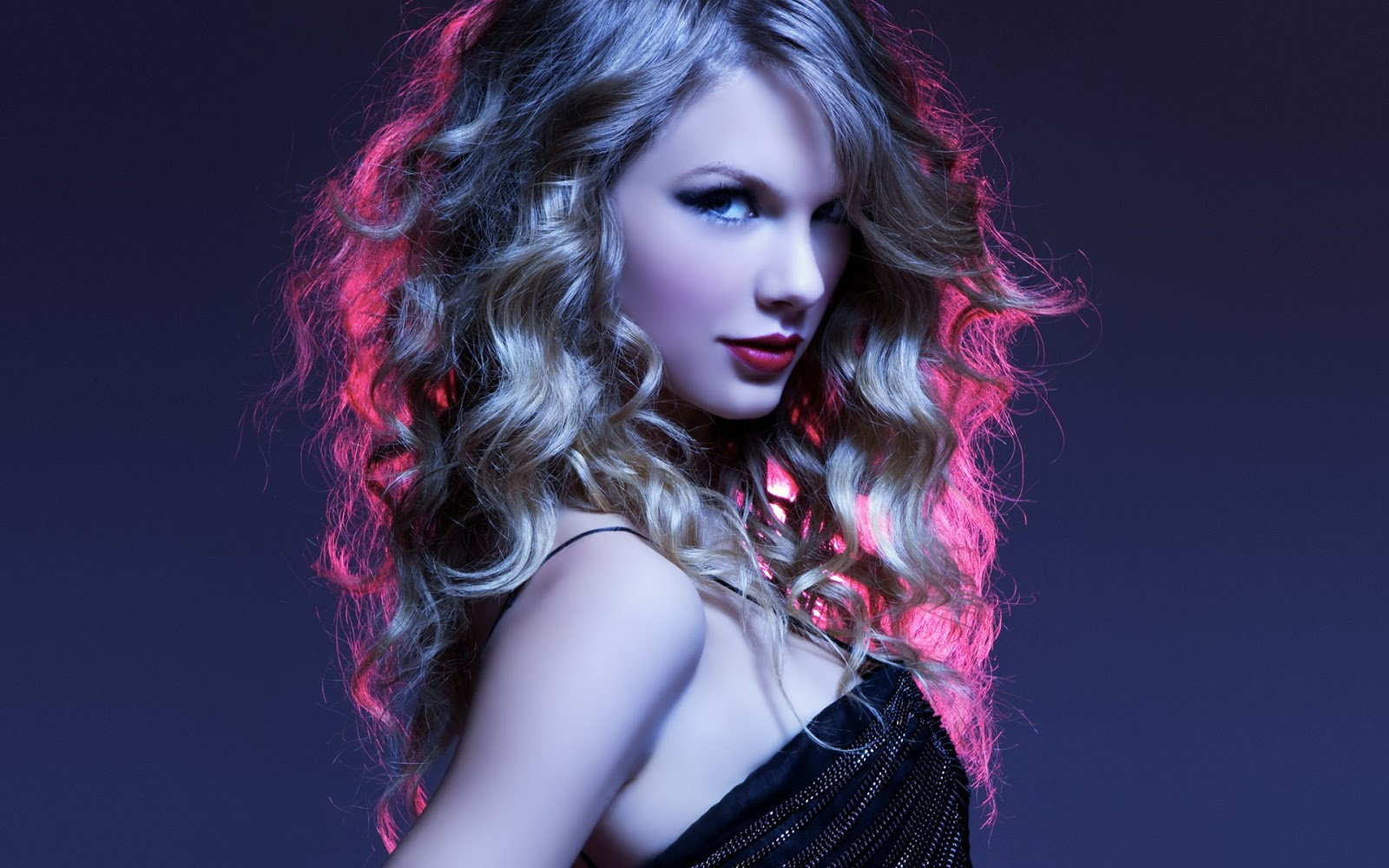 HD Wallpapers Of Taylor Swift