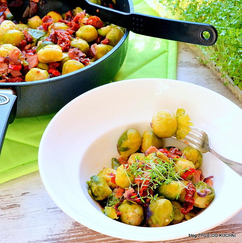 brukselka z boczkiem, brukselka, pazdziernik sezonowe owoce pazdziernik sezonowe warzywa, sezonowa kuchnia, pazdziernik, zycie od kuchni
