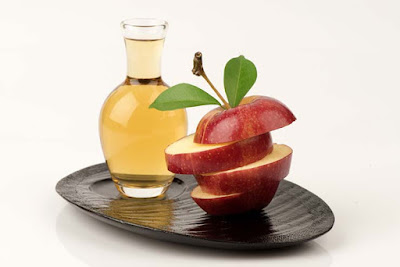 Mix apple cider vinegar