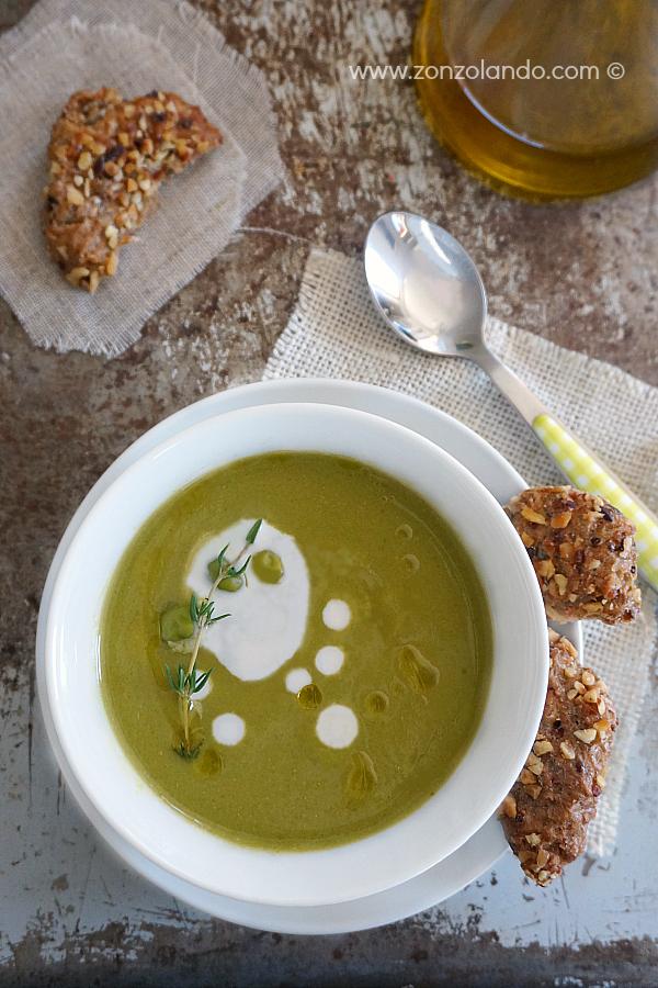 Crema vellutata di piselli ricetta primo piatto light vegetariano senza glutine - gluten free veggie pea soup recipe