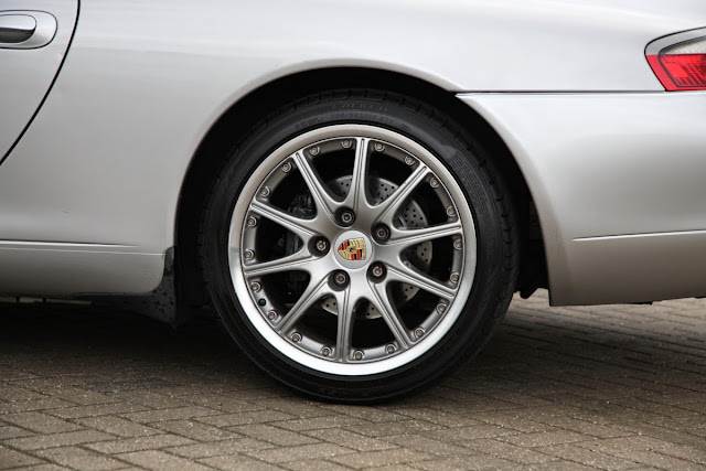 Porsche 911 996 Falken FK510 Tyres