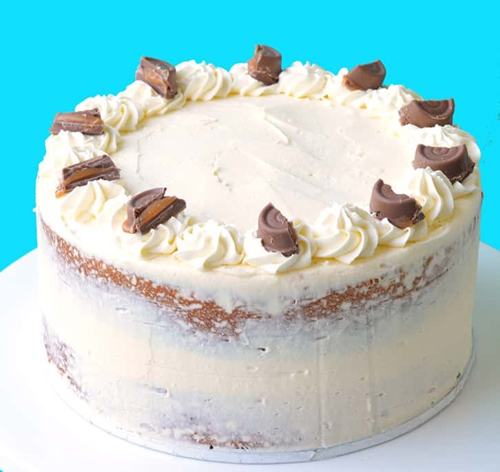 CARAMEL MUD CAKE WITH WHITE CHOCOLATE BUTTERCREAM #dessert #cakerecipe