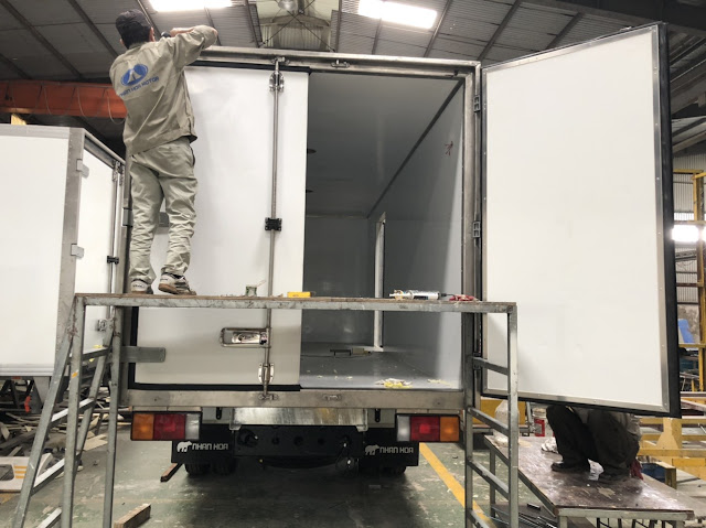 Đóng thùng đông lạnh xe tải