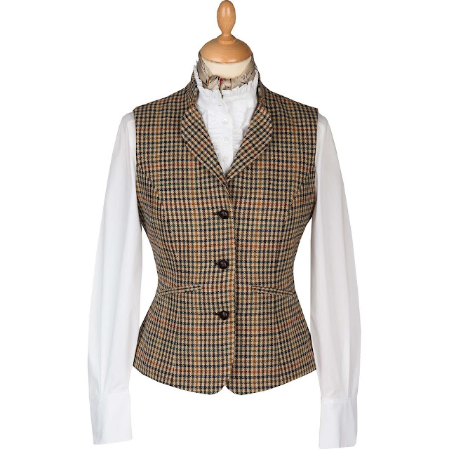 solveig scotland lady tweed luxury fashion tartan cordings edinburgh scottish blogger